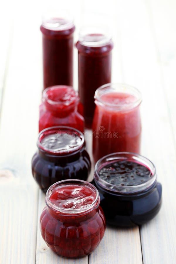 Atolamento vermelho da fruta imagens de stock royalty free