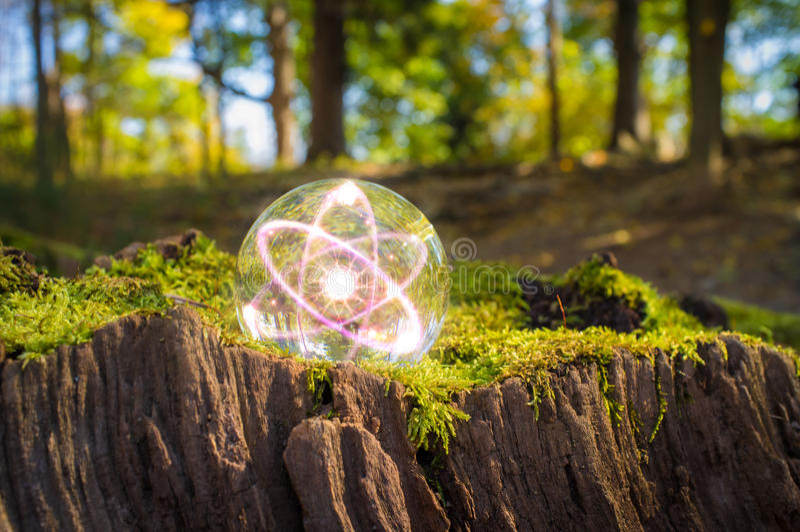 Atom kryształowej kuli natura zdjęcia royalty free
