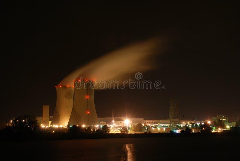 Atomtriebwerkanlage lizenzfreie stockfotos