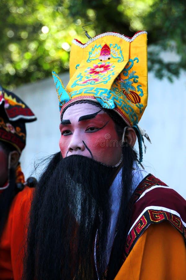 Ator no estilo chinês do traje da ópera imagens de stock royalty free