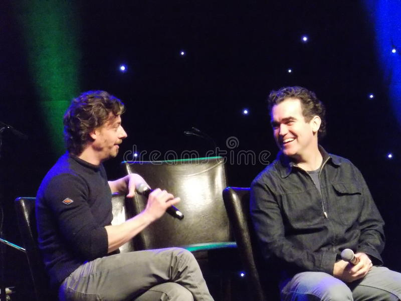 Atores Christian Borle e Brian d'Arcy James de Broadway imagem de stock royalty free
