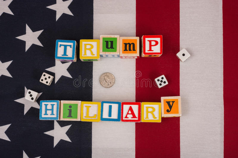 Atout contre Hillary images stock