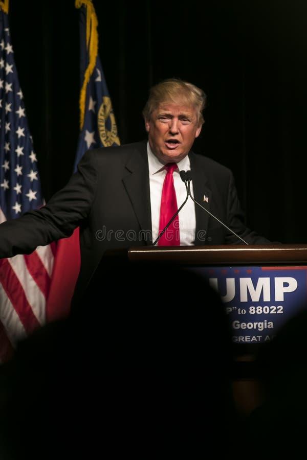 Atout de Donald J de candidat républicain à la présidentielle images libres de droits