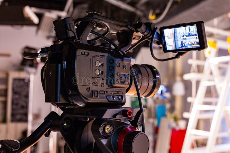 Atrás das cenas do tiro video da produção ou do vídeo foto de stock royalty free