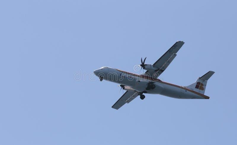 ATR 72 принимая от авиапорта Palma de Mallorca стоковое изображение