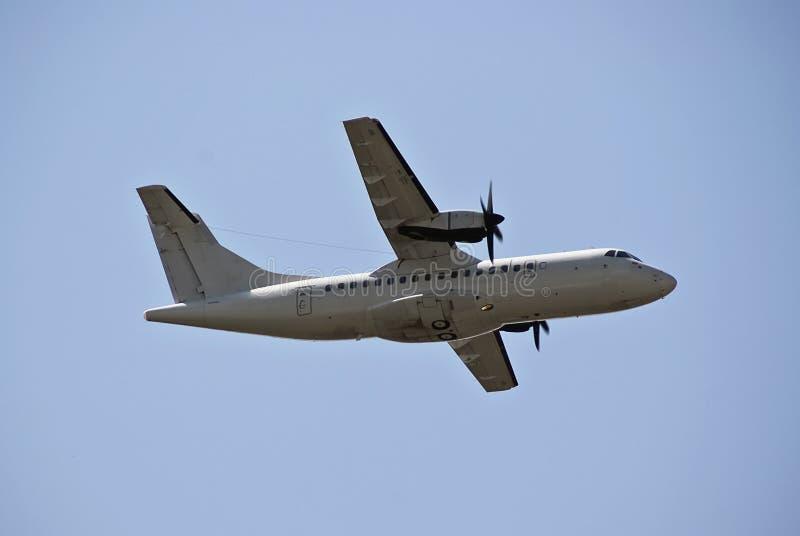 ATR-42 - Avión de carga del aire foto de archivo