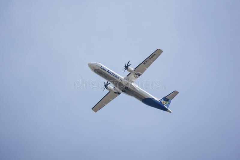 ATR72-600 van Lao Airlines stock afbeeldingen