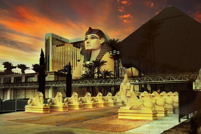 Atracciones de la pirámide del casino del hotel de la tira de Las Vegas imágenes de archivo libres de regalías