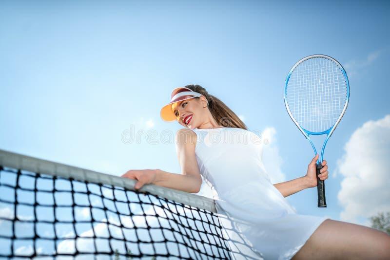 Atrakcyjna dziewczyna w mundurze outdoors zdjęcia royalty free