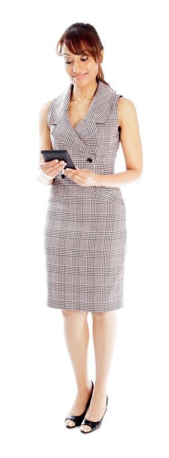 Download Atrakcyjna Indiańska Kobieta Odizolowywająca Na Białym Tle Zdjęcie Stock - Obraz złożonej z cięcie, atrakcyjny: 41952814