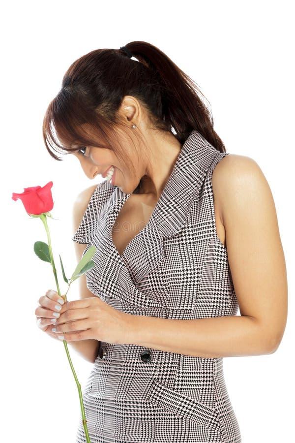 Download Atrakcyjna Indiańska Kobieta Odizolowywająca Na Białym Tle Obraz Stock - Obraz złożonej z dzień, miłość: 41953099
