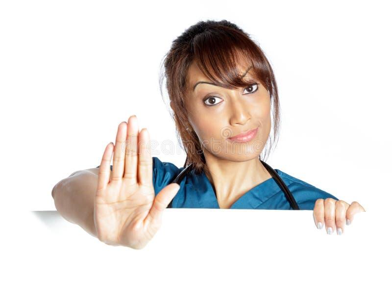 Download Atrakcyjna Indiańska Kobieta Odizolowywająca Na Białym Tle Obraz Stock - Obraz złożonej z błękitny, rozochocony: 41953791