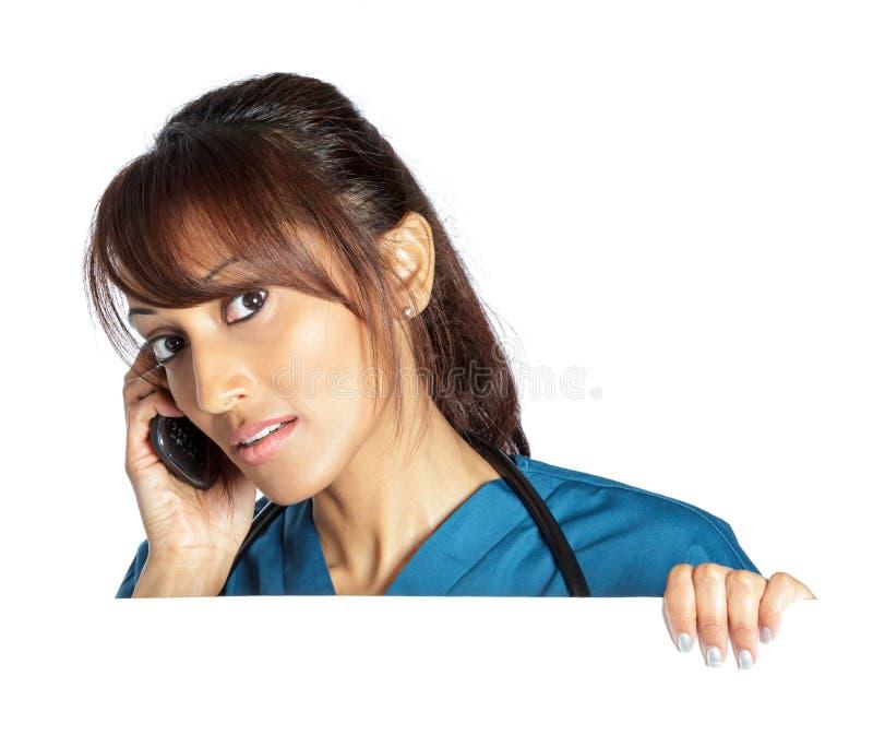 Download Atrakcyjna Indiańska Kobieta Odizolowywająca Na Białym Tle Zdjęcie Stock - Obraz złożonej z kopia, cięcie: 41953810
