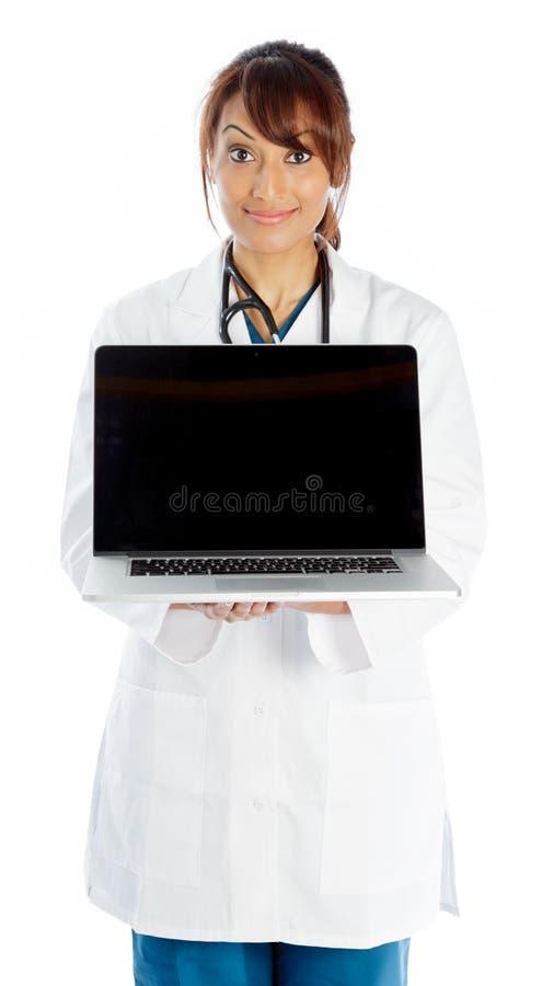 Download Atrakcyjna Indiańska Kobieta Odizolowywająca Na Białym Tle Obraz Stock - Obraz złożonej z komputer, rozochocony: 41953941