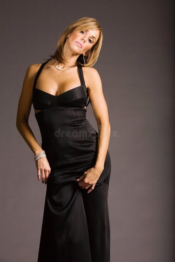 atrakcyjna kobieta smokingowa obrazy royalty free