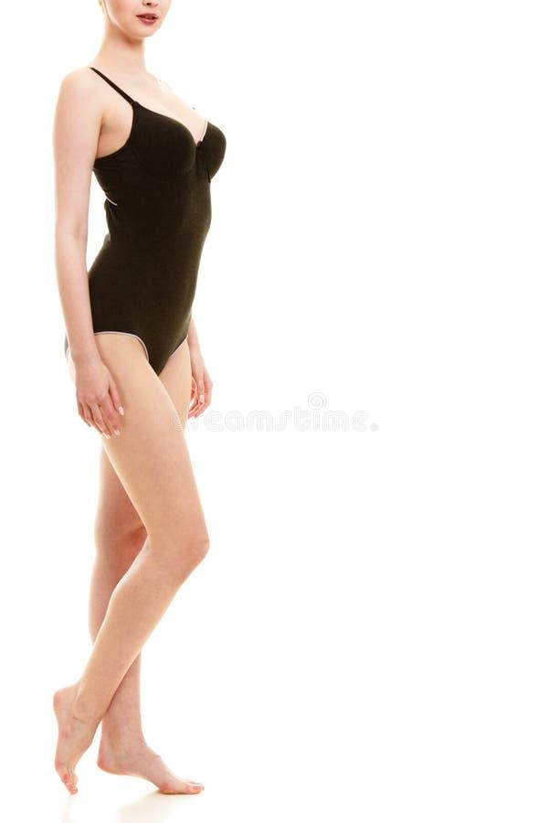 Atrakcyjna kobieta w czarnej swimsuit stylu bieliźnie fotografia stock