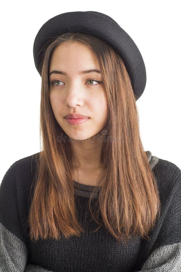 Download Atrakcyjna Młoda Kobieta Jest Ubranym Czarnego Kapelusz Zdjęcie Stock - Obraz złożonej z wspaniały, biały: 28950216