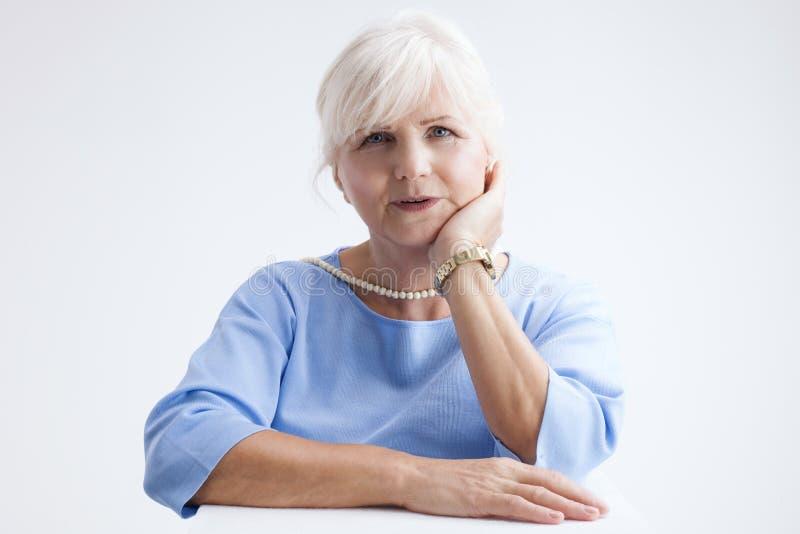 atrakcyjna portreta seniora kobieta obraz stock