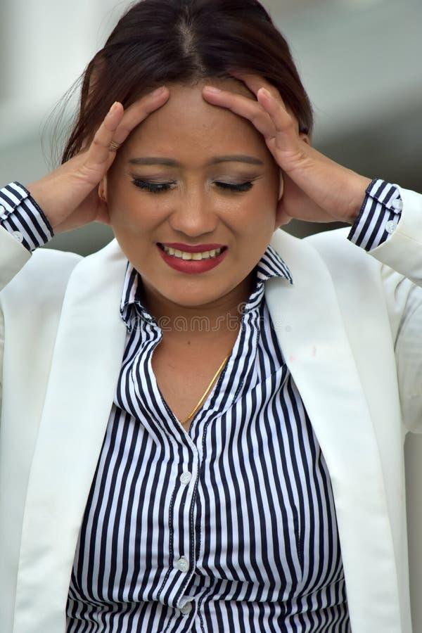 Atrakcyjna Różnorodna Biznesowa kobieta I niepokój Jest ubranym kostium zdjęcia stock