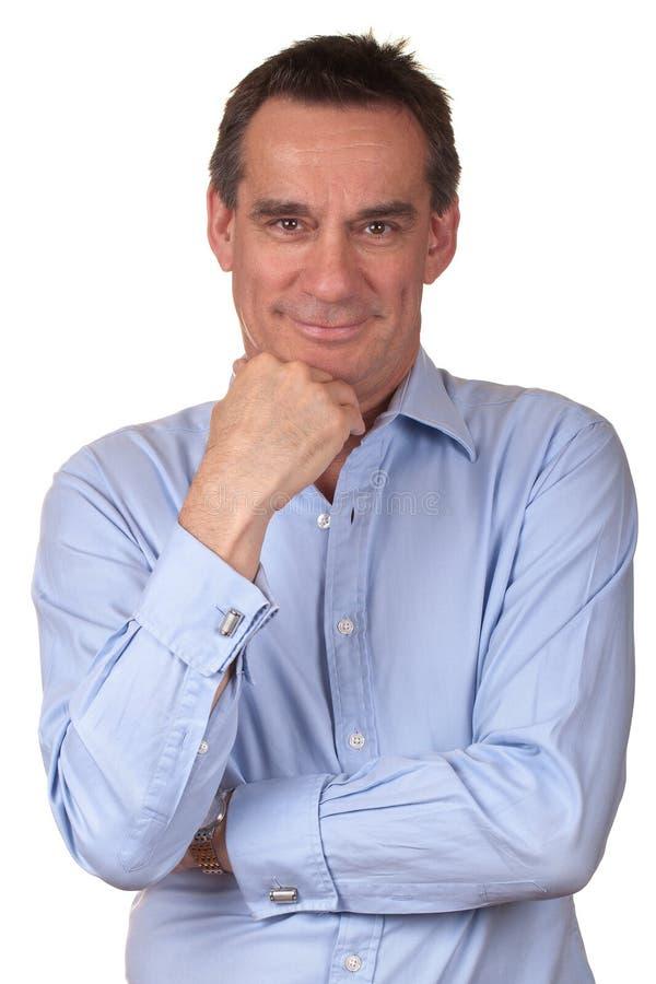 atrakcyjnego błękitny mężczyzna koszulowy ja target561_0_ obrazy royalty free