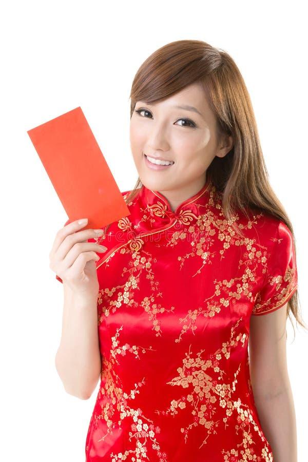 Czerwona kopertowa Chińska kobieta zdjęcie royalty free