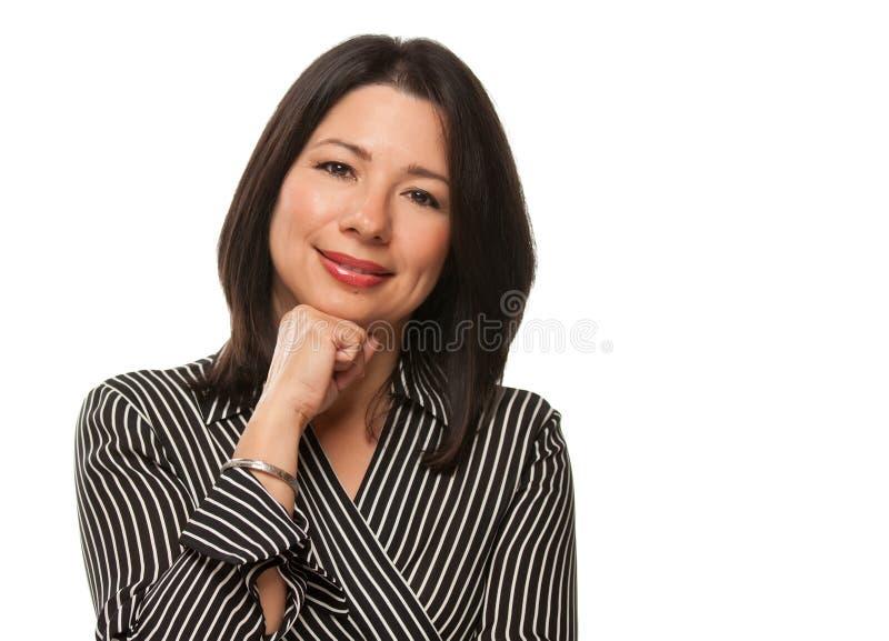atrakcyjnej podbródka ręki wieloetniczna odpoczynkowa kobieta zdjęcie stock