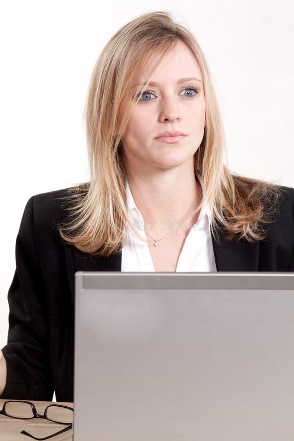 atrakcyjni blondynki bizneswomanu caucasian trzydzieści obraz stock