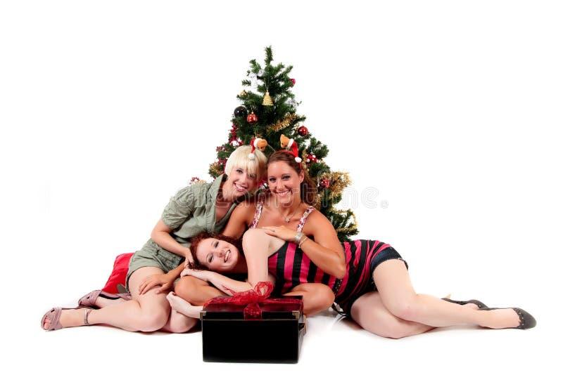 atrakcyjni boże narodzenia młodej trzy kobiety fotografia royalty free