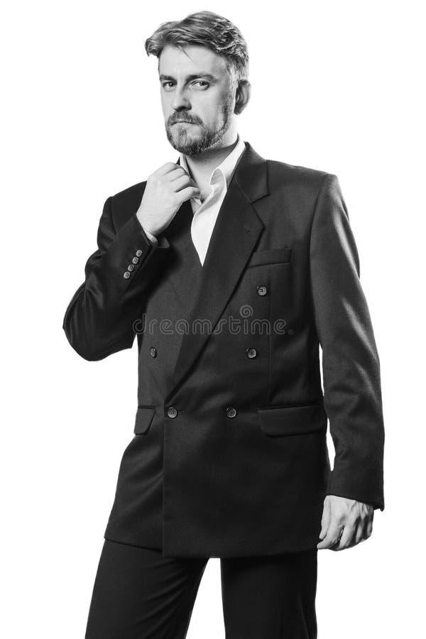 Atrakcyjny blond brodaty mężczyzna w garniturze zdjęcia royalty free