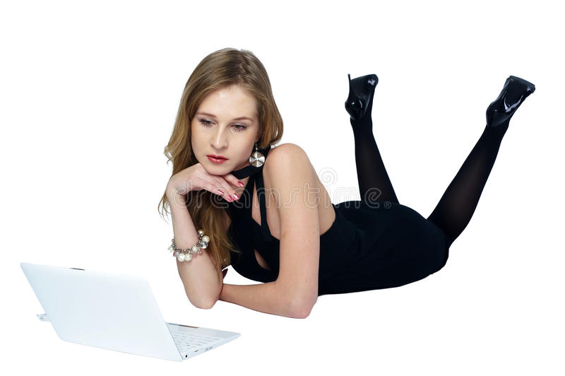 atrakcyjny blondynki dziewczyny laptop zdjęcie stock