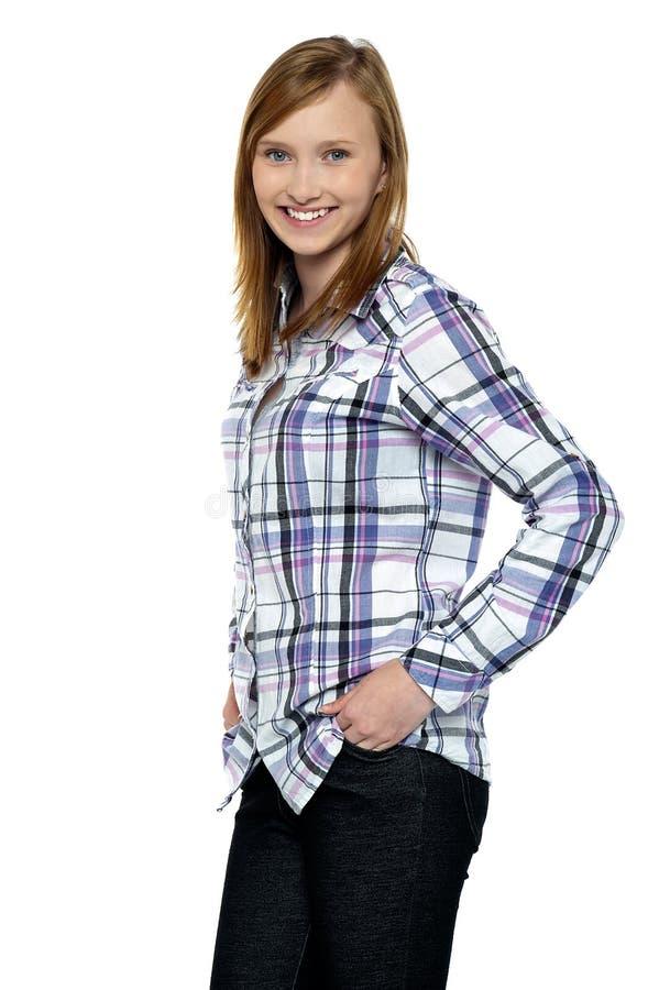 Atrakcyjny dziewczyny omijania uśmiech ty zdjęcie stock