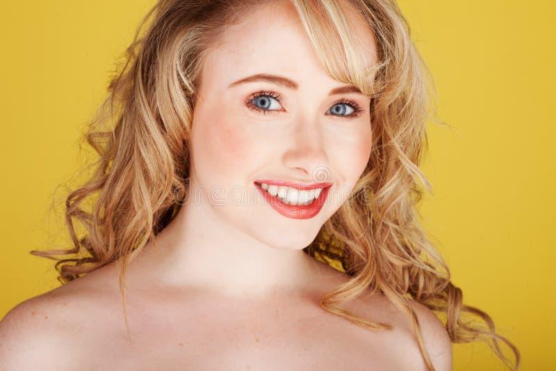atrakcyjny ja target3339_0_ blondynki zdjęcia royalty free