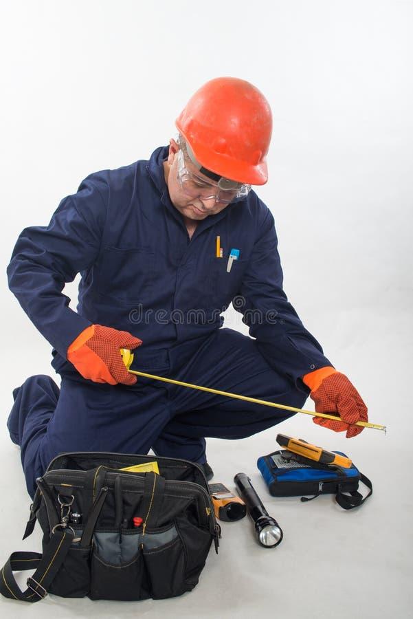 Atrakcyjny latynoski pracownik budowlany obrazy stock