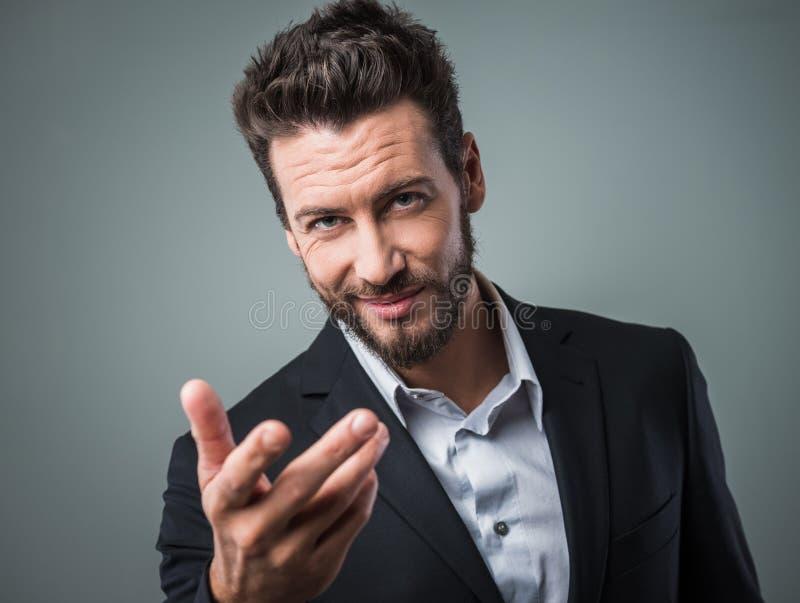 Download Atrakcyjny Mężczyzna Flirtować Zdjęcie Stock - Obraz złożonej z męskość, atrakcyjny: 53787716