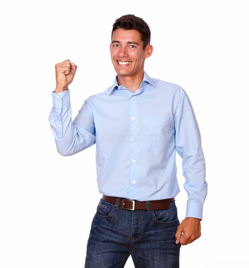 Atrakcyjny mężczyzna patrzeje excited z szczęściem. zdjęcie royalty free