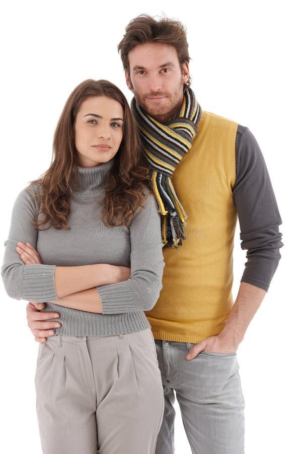 Atrakcyjny potomstw pary przytulenie fotografia stock