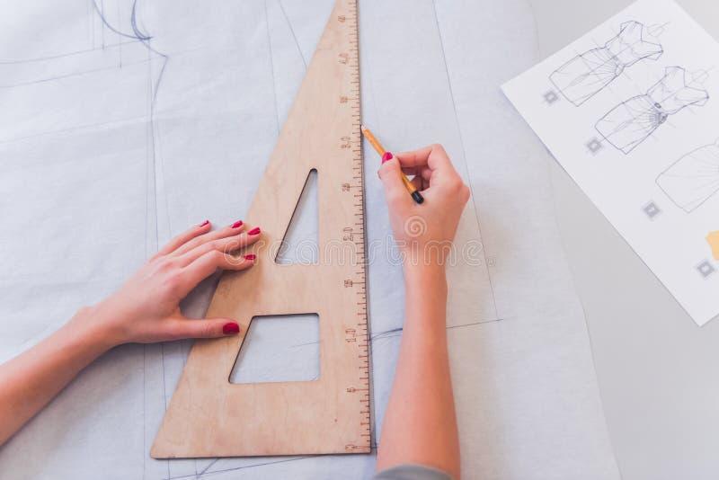 Atrakcyjny projektanta działanie zdjęcie stock