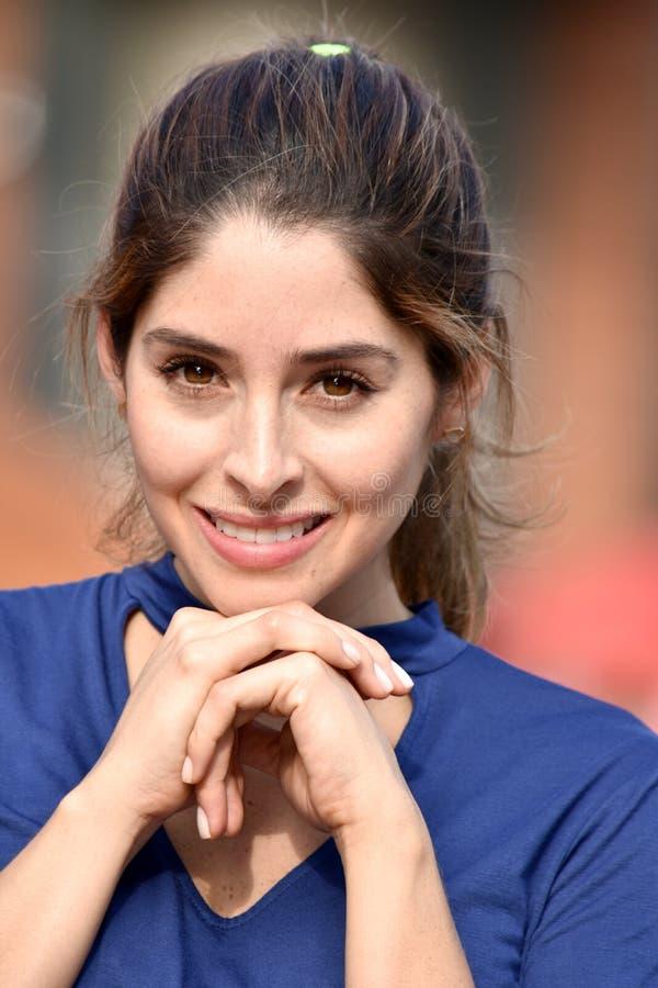 Atrakcyjny Różnorodny Żeński ono Uśmiecha się zdjęcie royalty free