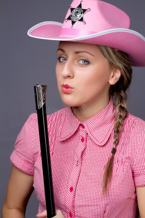 atrakcyjny tylny cawbow dziewczyny pistolet nad strzałem obrazy royalty free