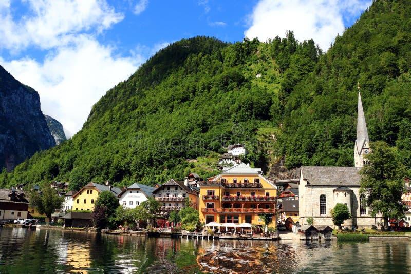 Atrakcyjny widok domy i budynek w Hallstatt obraz royalty free