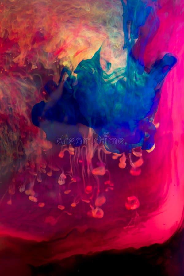 Atramenty w wodzie, kolor abstrakcja, koloru wybuch zdjęcia royalty free