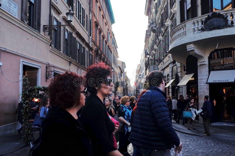 Através da rua de Condotti do dei, Roma fotos de stock royalty free