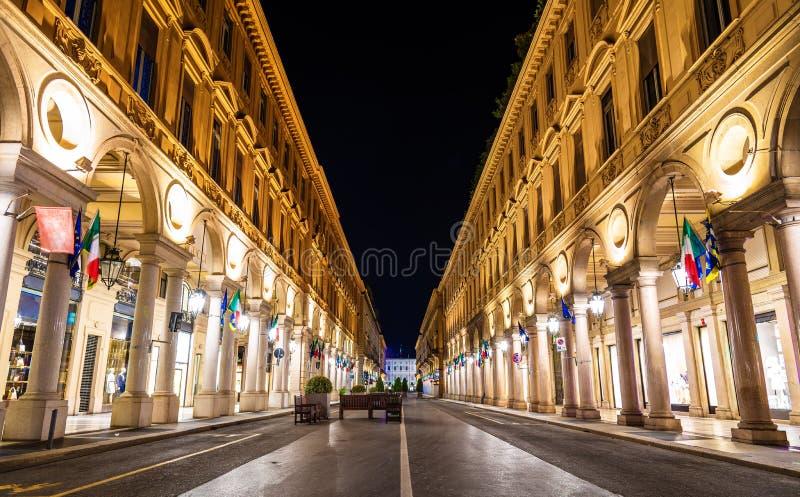 Através de Roma, uma rua no centro de Turin foto de stock royalty free