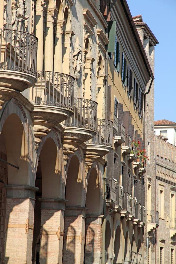 Através de San Francesco em Pádua, Vêneto, Itália foto de stock royalty free