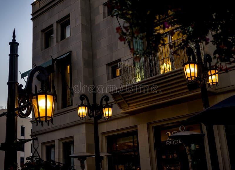Através do rodeio - luzes de rua da movimentação do rodeio no 12 de agosto de 2017 - Los Angeles, LA, Califórnia, CA fotografia de stock