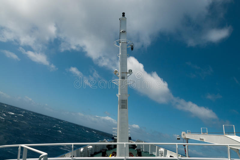 Atravesar los mares agitados fotos de archivo