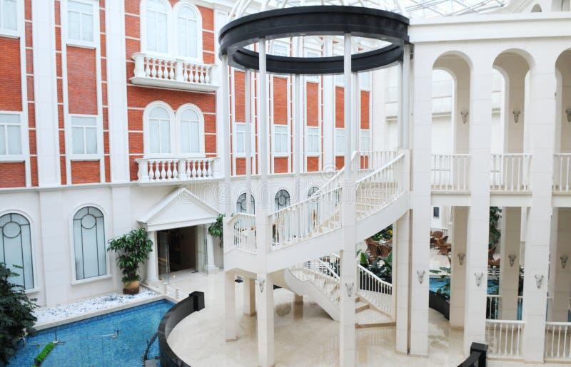 Atrio del hotel de lujo imagenes de archivo