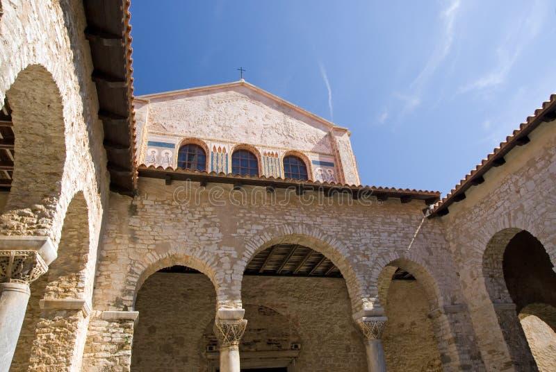 Atrio della basilica di Euphrasian fotografia stock