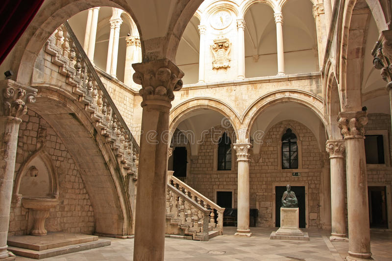 Atrio, el palacio del rector, ciudad vieja de Dubrovnik foto de archivo libre de regalías