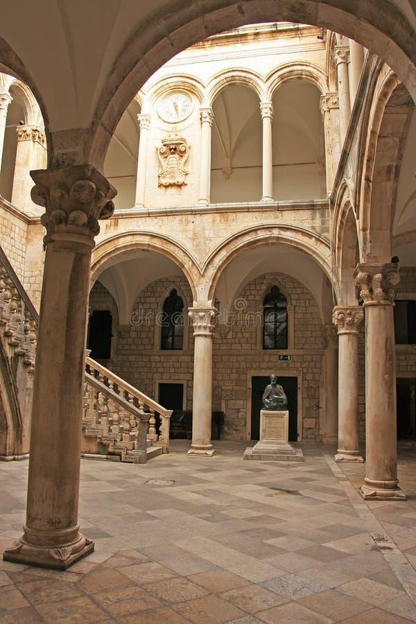 Atrio, el palacio del rector, ciudad vieja de Dubrovnik fotografía de archivo libre de regalías
